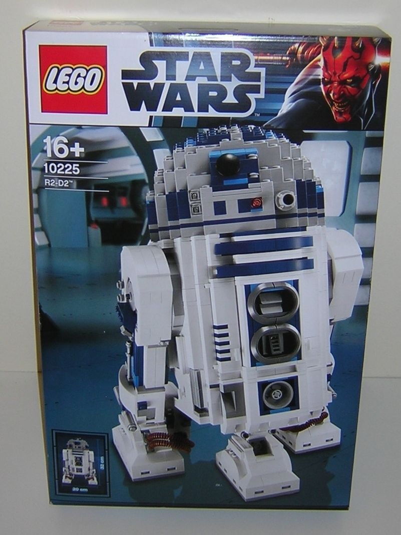 Star Wars Lego 10225 R2-D2 Ultimate Collector Series SUPER RARE!