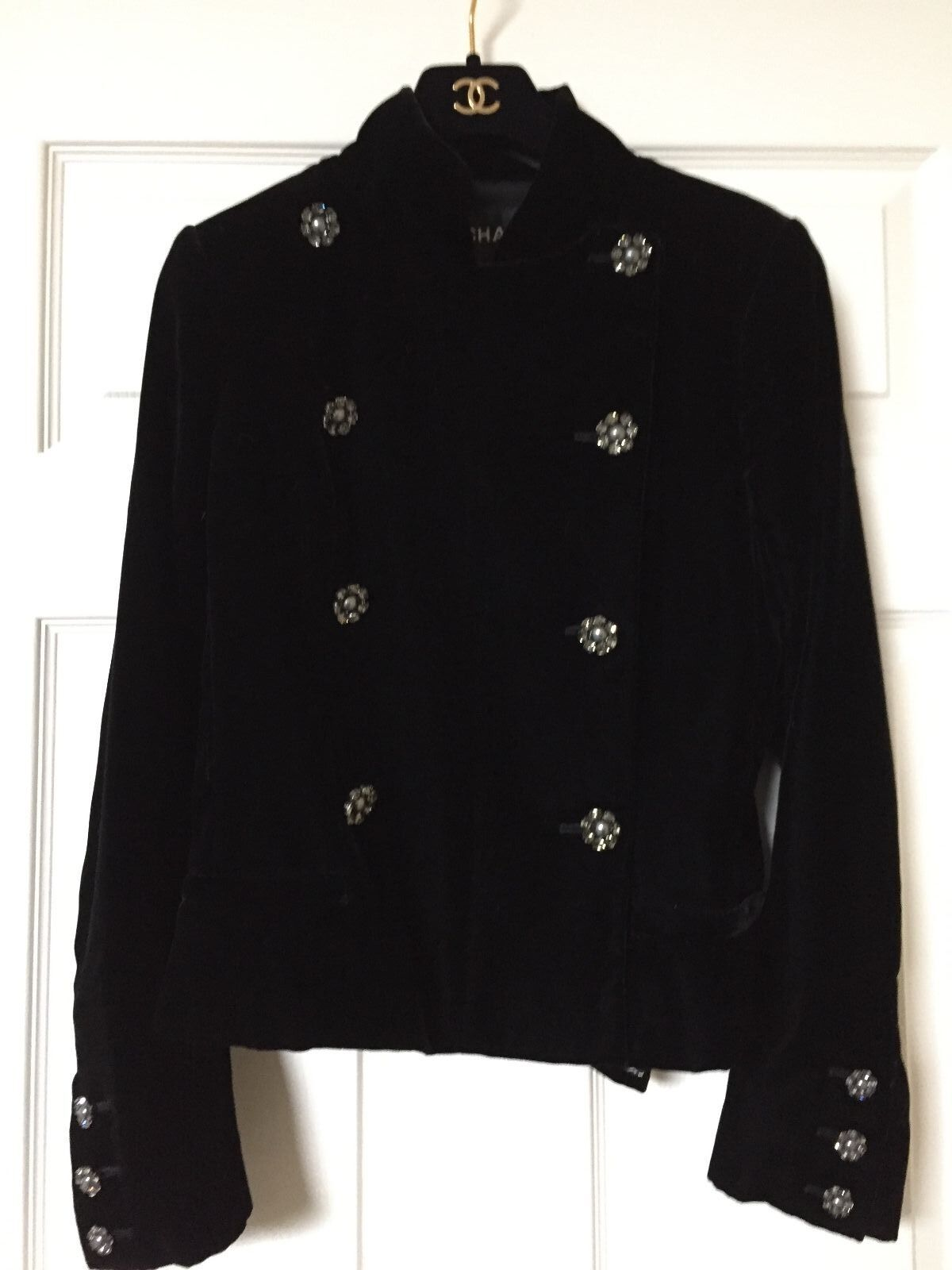 Chanel 08A PARIS LONDON BLACK VELVET JACKET Crystal CC buttons FR42 $7K