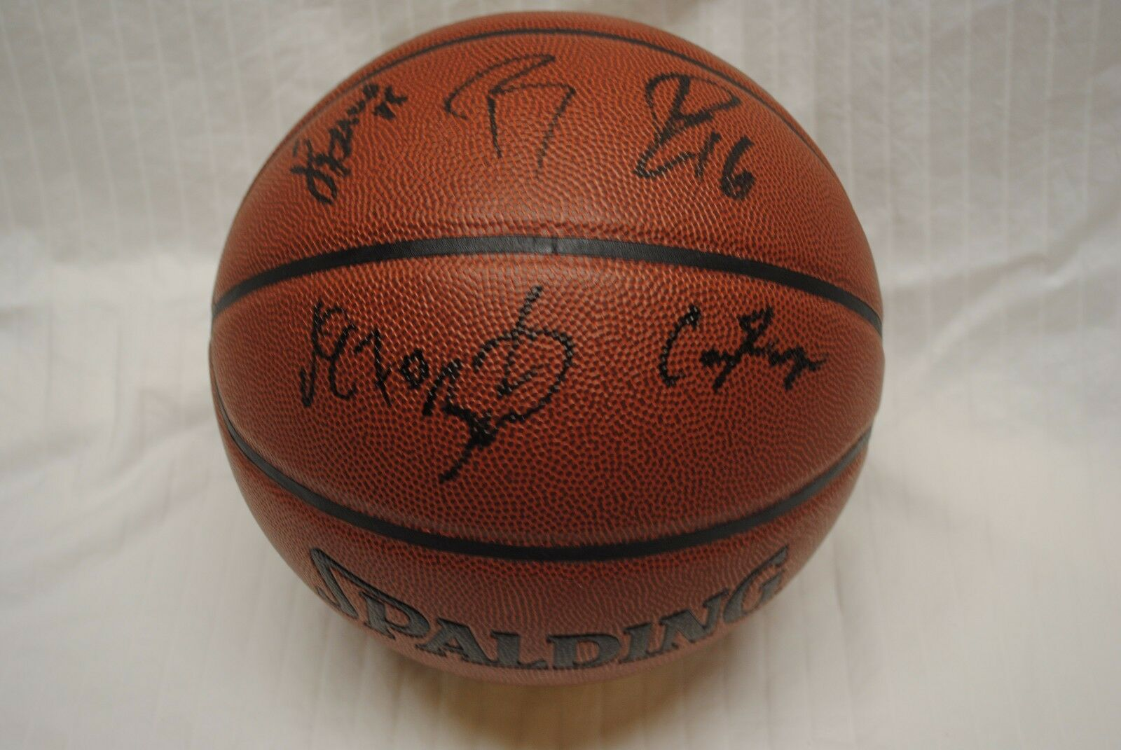 Chicago Bulls 2016-2017 Team Signed Basketball NBA Jimmy Butler Derrick Rose DM6