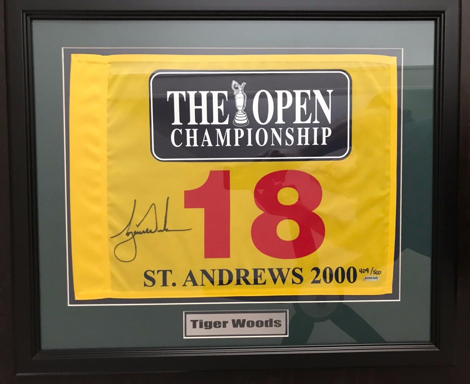 TIGER WOODS Signed 2000 British Open Framed Pin Flag - Upper Deck UDA