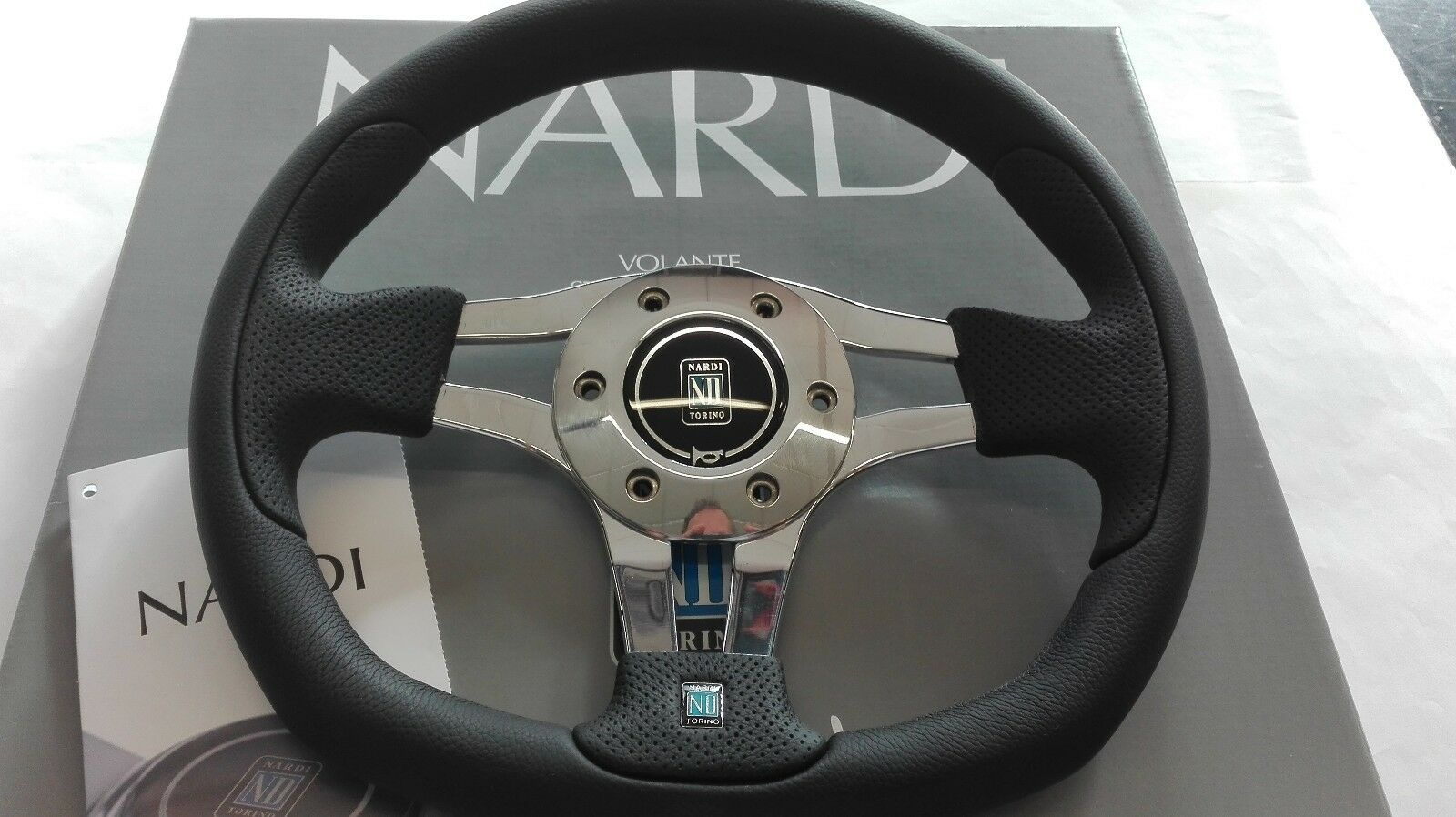 NARDI PASQUINO steering wheel black leather glossy spokes size 11.80 / 300 mm