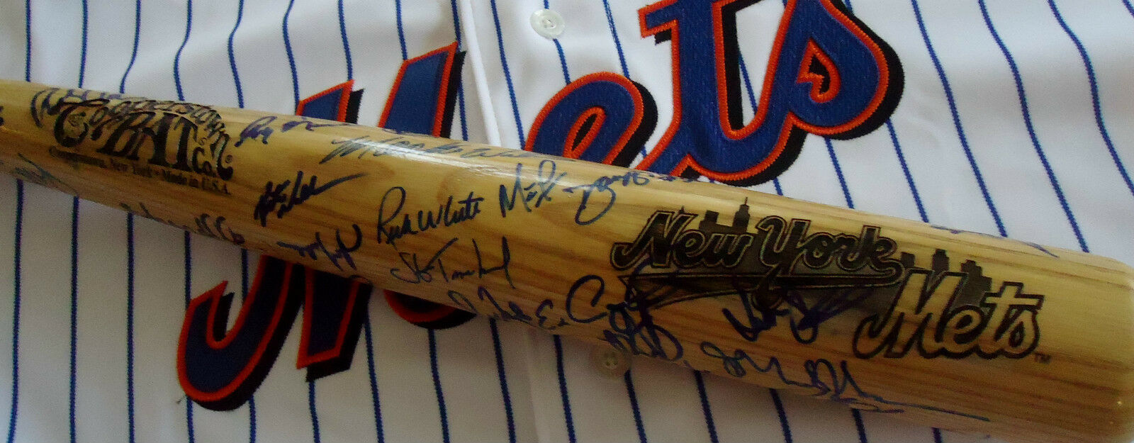 NY METS 2000 TEAM 50 SIGNED COOPERSTOWN BASEBALL BAT -> note: SEE LISTED PLAYERS