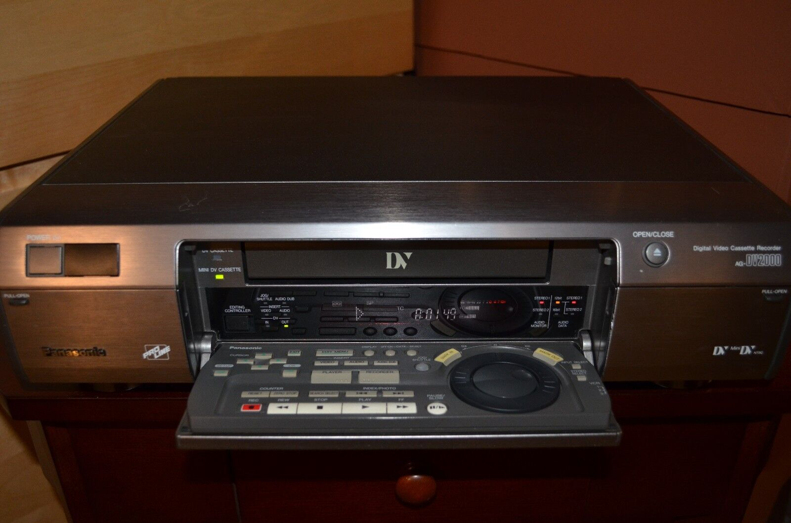 Panasonic AG DV 2000 with original remote