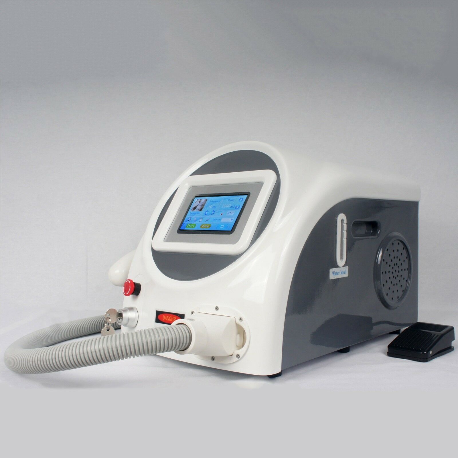 Tattoo Scar Removal 532nm 1064nm Q Switch ND Yag Laser Machine For Clinic Use