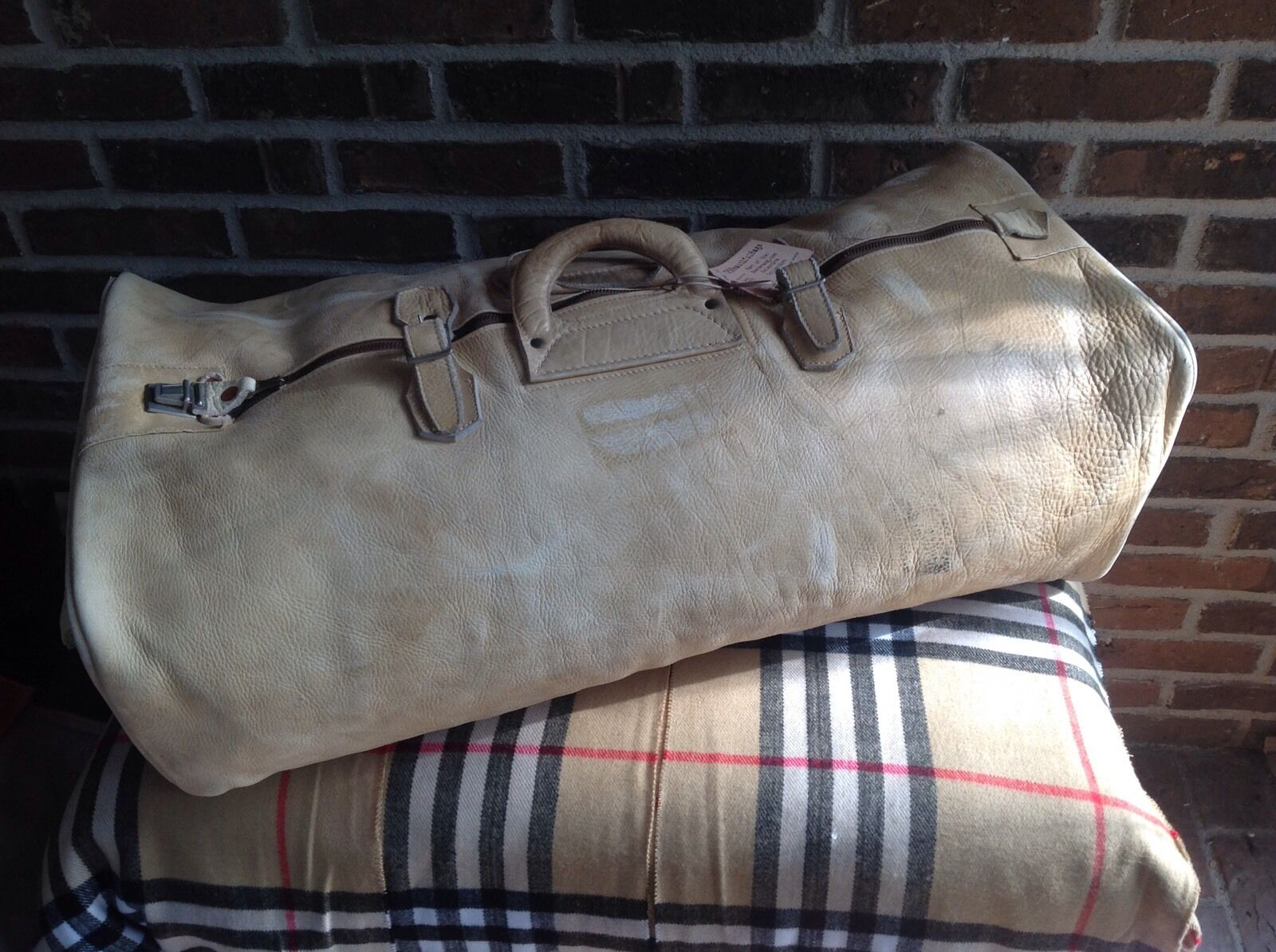 VINTAGE 1970's SUPPLE MOOSE-SKIN LEATHER  WEEKENDER DUFFLE GYM BAG R$1098