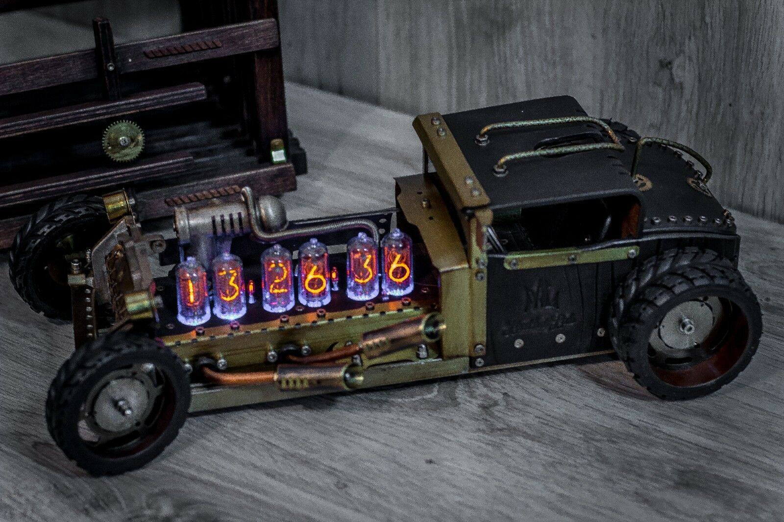 UNIQUE IN-8 Handmade Nixie Clock Steampunk ROADSTER || IN-18 Z568M style