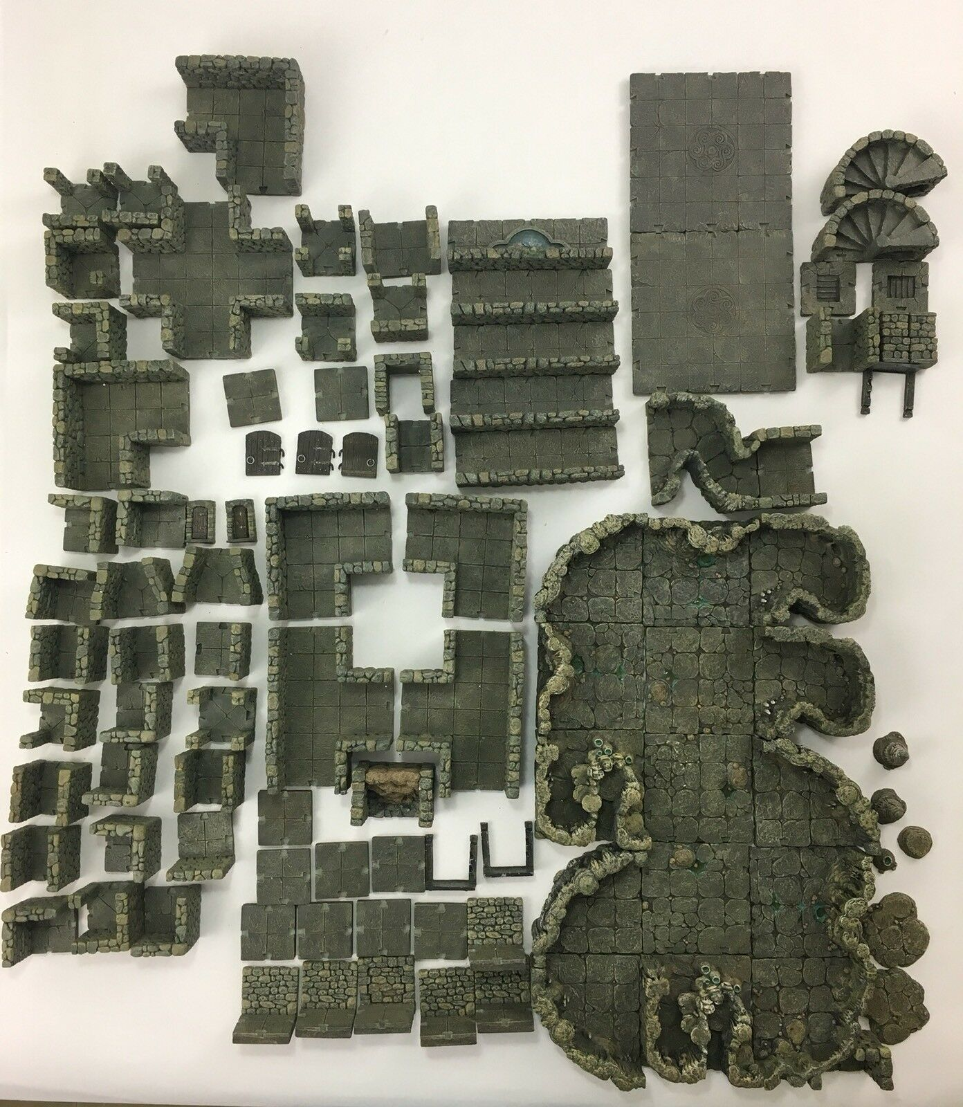 Lot 4 Dwarven Forge Master Maze Cavern Wicked II Narrow Passages Resin Terrain