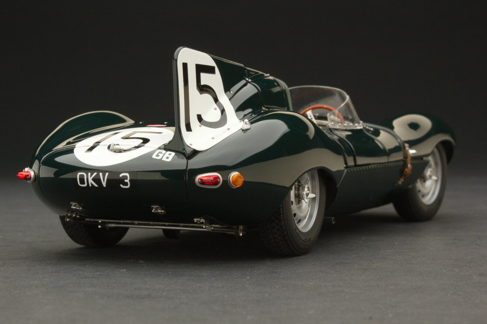 Exoto XS 1954 Jaguar D-Type Le Mans / Over 2600 Parts / Scale 1:18 / #RLG88001B