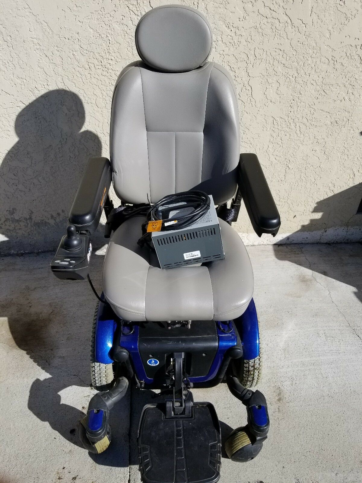 Pride mobility products QUANTUM 600 Power Wheelchair synergy shape