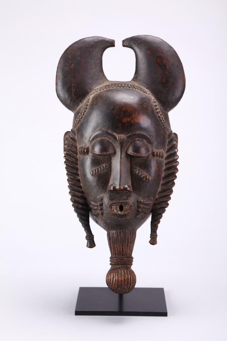 ANTIQUE BAULE AFRICAN MASK-IVORY COAST Lot 2900