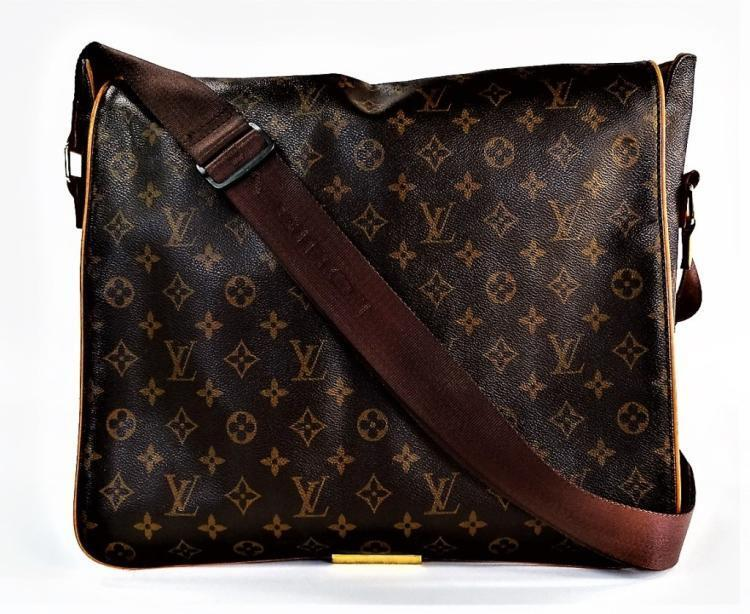 VTG LOUIS VUITTON MONOGRAM ABBESSES MESSENGER BAG Lot 56