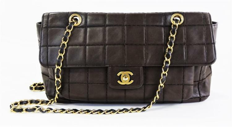 CHANEL EAST WEST CHOCOLATE BAR SHOULDER BAG Lot 44D