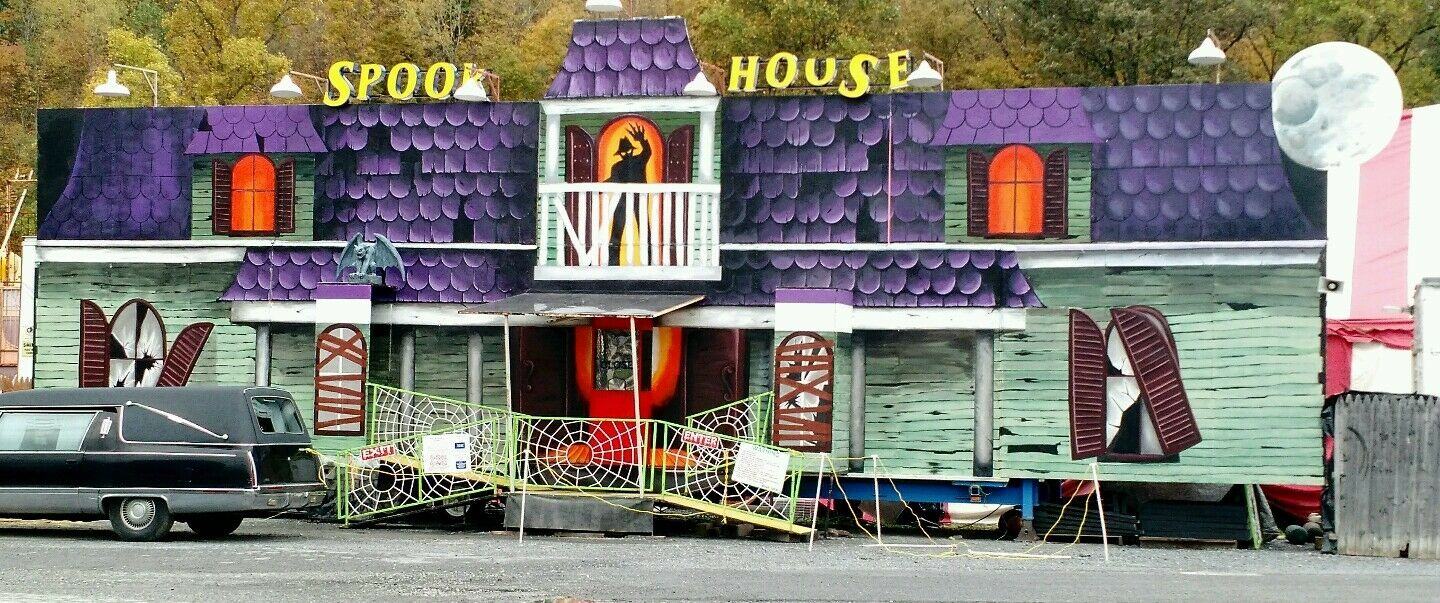 PORTABLE WALK THRU  HAUNTED HOUSE ATTRACTION ,CARNIVAL,AMUSEMENT,PARK,HORROR