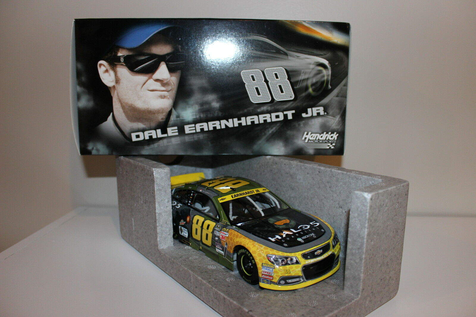 DALE EARNHARDT JR. #88 2015 HALO 5 CHEVY 1/24 MIB 1 OF 2,312 **RARE** CASE OF 12