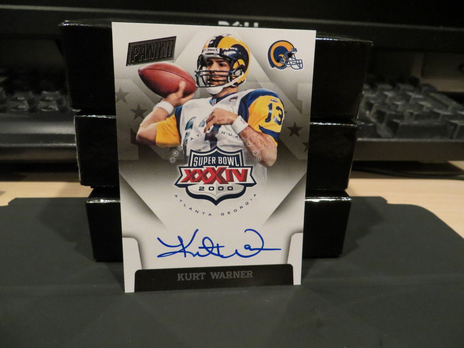 National Treasures Super Bowl XXXlV On Card Autograph Rams Kurt Warner   2015