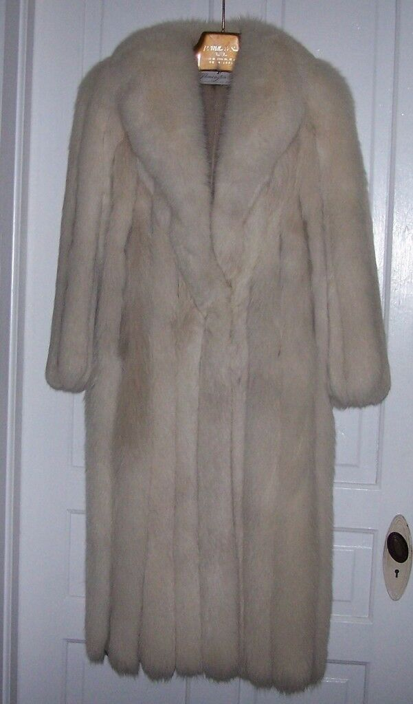 Full Lengh Natural SHADOW FOX COAT 2012 Appraisal $5,500 SIZE 6-8 Just Beautiful