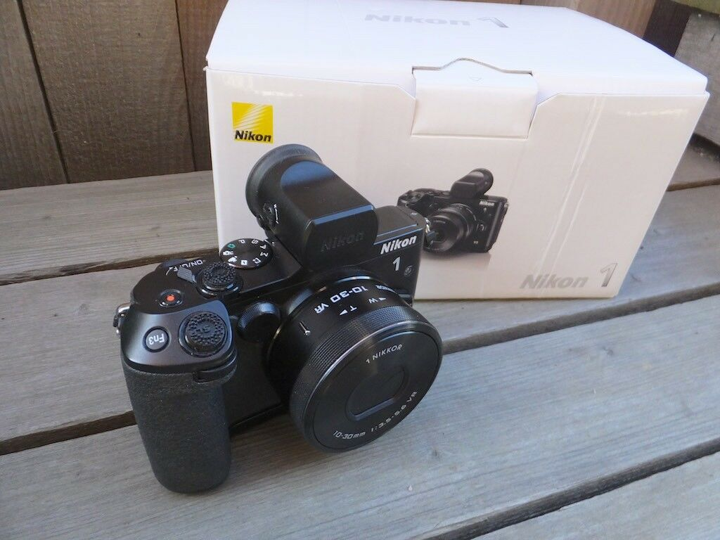Nikon 1 V3 18.4MP Premium Camera Kit with Extras, EXCELLENT++