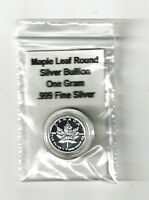 ONE 1 GRAM SILVER MAPLE LEAF ROUND COIN IN ACRYLIC AIR TIGHT CAPSULE