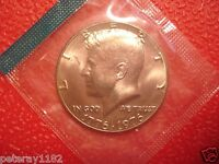 1974 P 1976 P  KENNEDY HALF UNCIRCULATED  2 COINS IN MINT CELLO  3978
