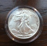 1943 SILVER WALKING LIBERTY HALF DOLLAR. TOP BU CONDITION