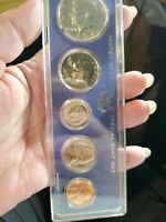 1967 US SPECIAL MINT SET  WITH 40  SILVER KENNEDY HALF DOLLA