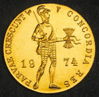 1974 NETHERLANDS. BEAUTIFUL PROOF LIKE GOLD KNIGHT DUCAT COIN.  UNC   3.5GM