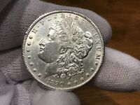 1890 UNC MORGAN SILVER DOLLAR / IN COIN CAPSULE