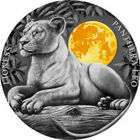 LIONESS WILDLIFE IN THE MOONLIGHT 2 OZ ANTIQUE FINISH SILVER