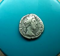 ANCIENT ROMAN SILVER COIN DENARIUS COMMODUS / COMMOD  138 161 AD. 0139