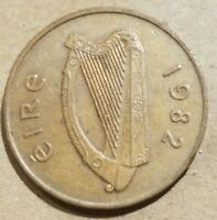 1982 IRELAND 2 PENCE 1/50 PUNT IRISH COIN EIRE HARP AND CRANE SOUVENIR NICE
