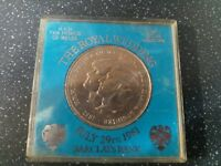 LADY DIANA & PRINCE OF WALES WEDDING 1981 COMMEMORATIVE COIN MEDAL BARCLAYS VER