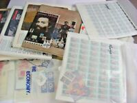 US ACCUMULATION OF  STAMPS IN SHEETS YEARBOOKS OTHERS. MAJOR