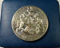 1484 1984 COLLEGE OF ARMS QUICENTENARY SILVER MEDAL WITH BOX AND COA HALLMARKED