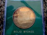 1787 1987 CONSTITUTION OF THE UNITED STATES COMMEMORATIVE BRONZE COIN IN CASE