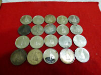 LOT OF 20 1967  CANADA  HALF  DOLLAR  SILVER  COINS  50B  CENT  PIECE   WOLF