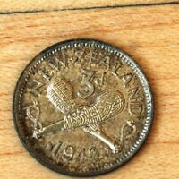 1942 NEW ZEALAND 3 PENCE SILVER