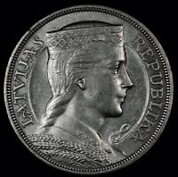 FOREIGN AUCTION NIGHT   AU 1931 LATVIA 5 LATI SILVER DOLLAR SIZE  KM9