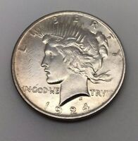 1924 $1 UNITED STATES PEACE SILVER DOLLAR COIN