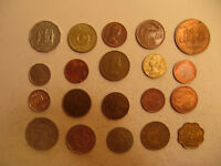 MIXED LOT OF FOREIGN COINS  25 .