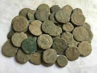 LOT 50 SMALL ROMAN UNCLEANED COINS   10 15 MM