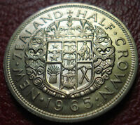 1965 NEW ZEALAND 1/2 CROWN IN UNCIRCULATED CONDITION