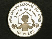DOMINICAN REPUBLIC 1982 10 PESOS YEAR OF THE CHILD SILVER CR