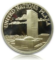 1982 UNITED NATIONS PLAZA SILVER ROUND BY CHEMICAL BANK 3/4 TROY OZ.925