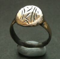 A SUPERB DECORATED GENUINE ANCIENT ROMAN BRONZE RING   WEARA