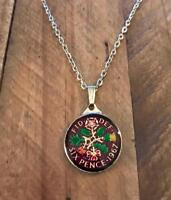 VINTAGE ENAMELLED SIXPENCE COIN 1967 PENDANT & NECKLACE. GRE