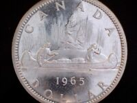 1965 CANADA 'POINTED 5 SMALL BEADS' SILVER DOLLAR COIN