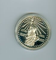 US MINT BICENTENNIAL MEDAL 1776 1976 STATUE OF LIBERTY SILVER VERSION