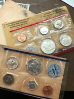 1961 MINT COIN UNCIRCULATED SET WITH ENVELOPE