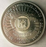 1974 DOMINICAN REPUBLIC PESO   .900 SILVER CROWN    COIN   L