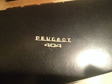 peugeot 404 insignia complete new